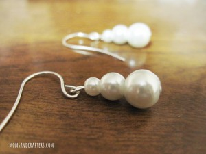 DIY Pearl snowman earrings