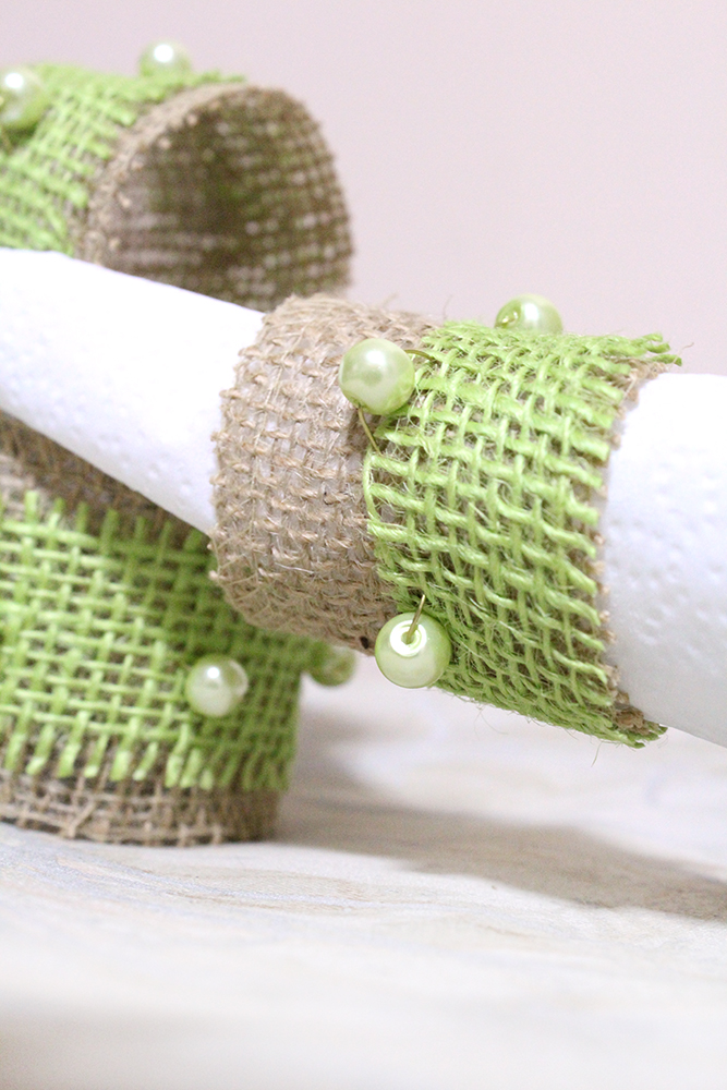 Making Napkin Rings With Beads