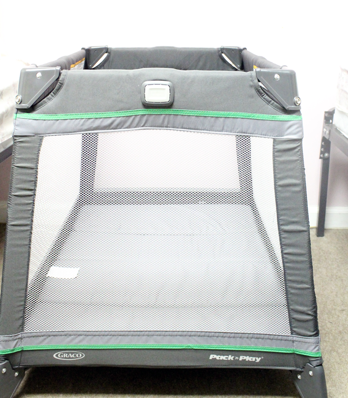 Be an informed buyer! An in-depth and thorough Graco Pack n Play Jetsetter review (new in 2015). Complete with photos and personal experiences.
