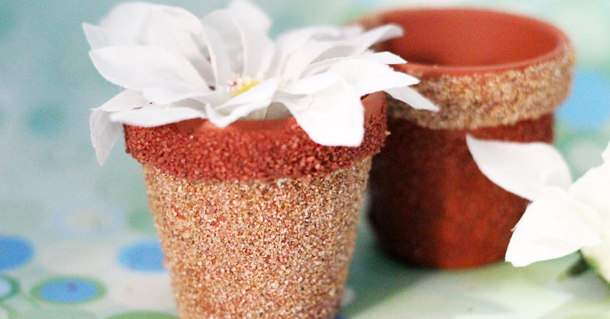 Diy flower pots with cool texture for Flower pot making with waste material