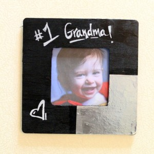 Make this adorable magnetic chalkboard picture frame as a teen party craft, or as a gift for grandparents! You can change up the message each time!