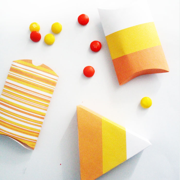 Aren't these candy corn treat boxes adorable? You can print it for free - it's a free printable favor idea that's perfect for Halloween or an autumn party!