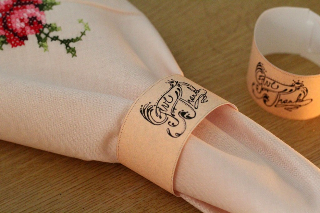 Free Printable Thanksgiving Napkin Rings – no gluing! – Moms ...