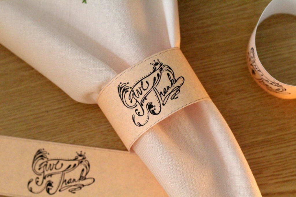 Print these adorable Thanksgiving napkin rings for your holiday table! Black and white, and cheap to print! The design is even hand-drawn - how cool!