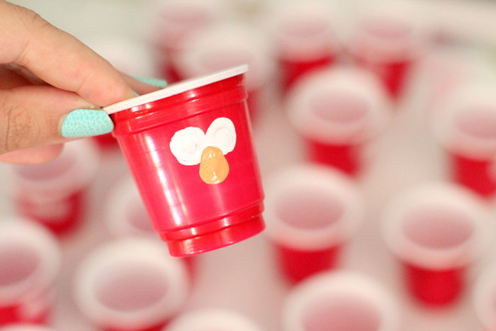 Looking for a popular but easy elmo food for your party? Try out these adorable mini gelatin cups that were a huge hit by my son's birthday party!