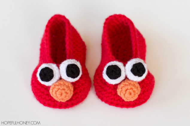 Got a toddler who is obsessed with Elmo? These Elmo gift ideas include both DIY and buy options!