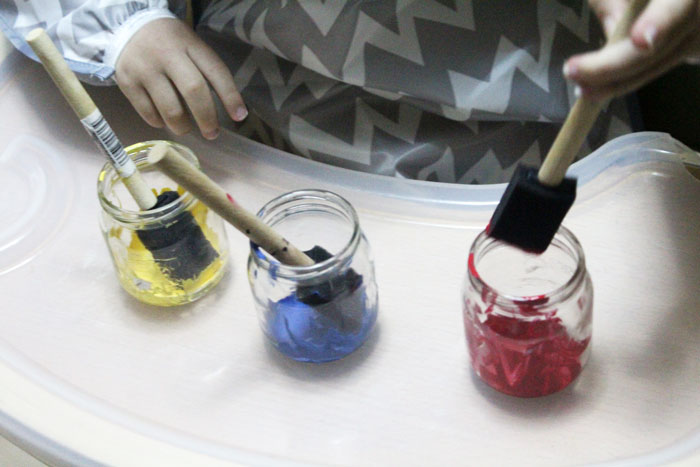 These primary color luminaries are 100% made by toddlers! Click to see how this neat toddler painting activity and craft is done.