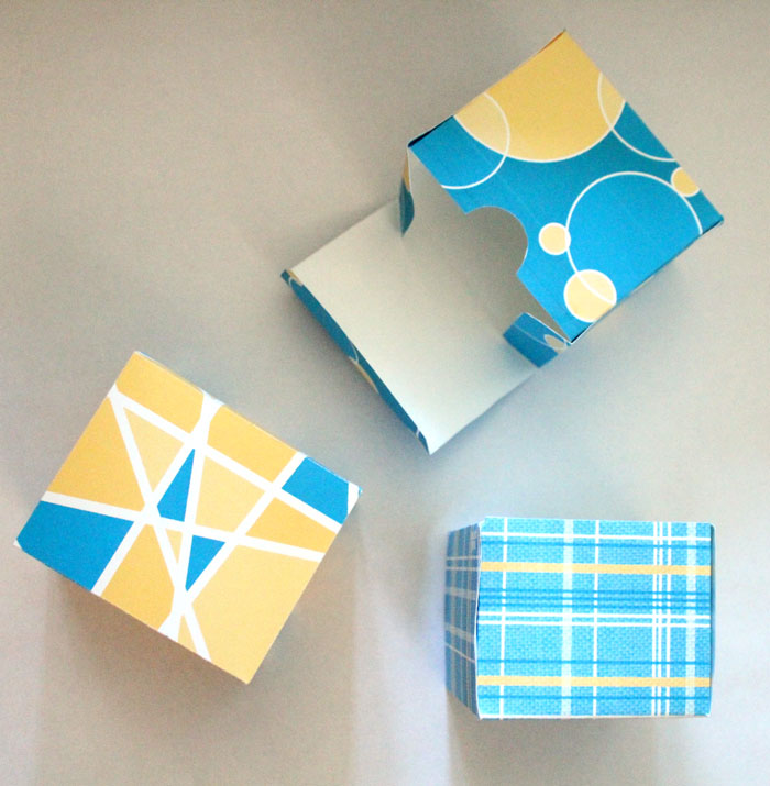 Download these FREE printable gift boxes for your holiday or year-round gift-giving needs! What a great, cheap, affordable gift idea. It's perfect for wrapping small presents, chocolates, treats, and jewelry, in an easy DIY way.