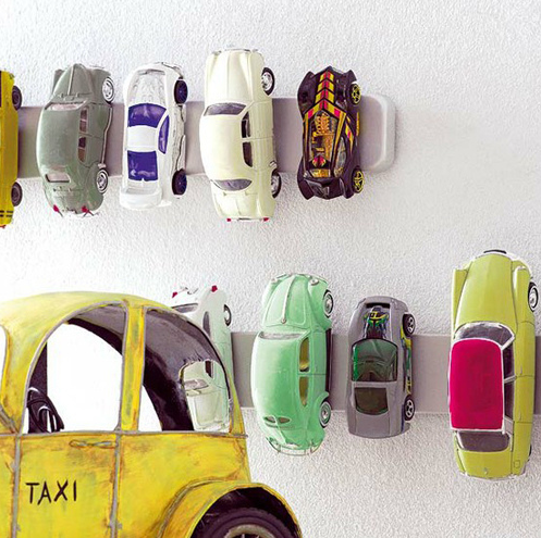 Hot wheels display ideas to diy moms and crafters got too many toy cars and matchbox cars check out these 11 genius hot wheels solutioingenieria Gallery