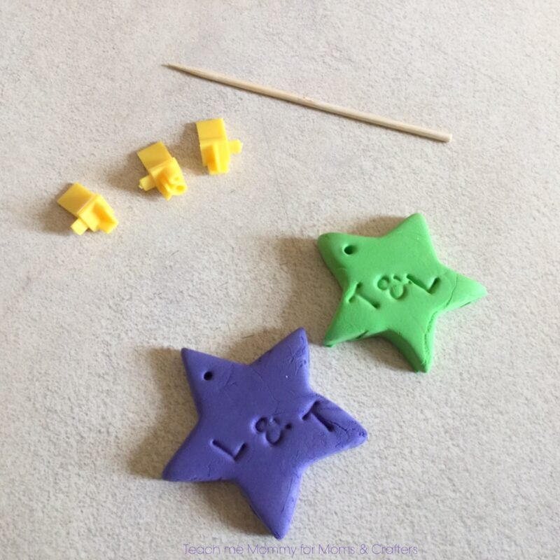 Make these adorable friendship necklaces using air dry clay! What a fun and easy jewelry making craft for tweens and teens - perfect for sleepovers!