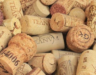 16 of the Best Wine Cork Crafts