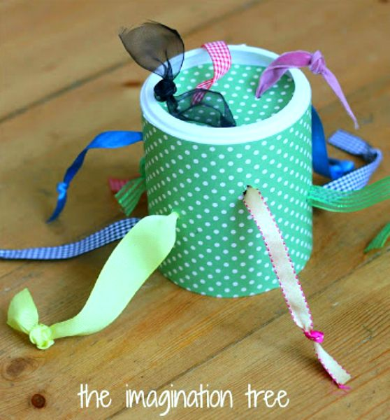 Why buy if you can DIY? These 14 DIY baby toys make perfect gifts for the new mom or baby! From rattles, to mobiles, and more, these are all easy crafts - you don't need crazy skills to make them!