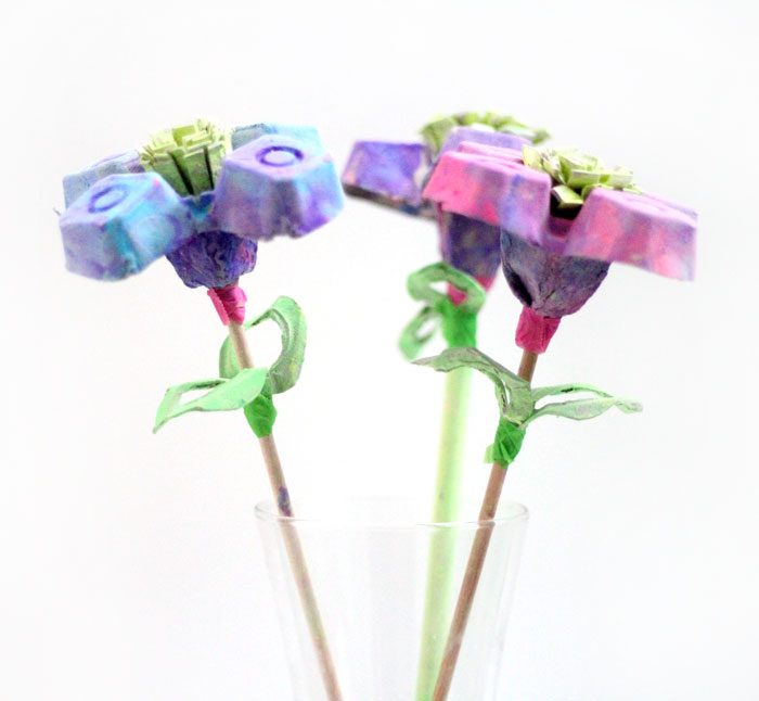 I made these beautiful egg carton flowers as a collaborative craft with my toddler! He had so much fun and is so proud of them! If you're looking for a pretty flower kids craft made fro upcycled materials, this is definitely one to try!