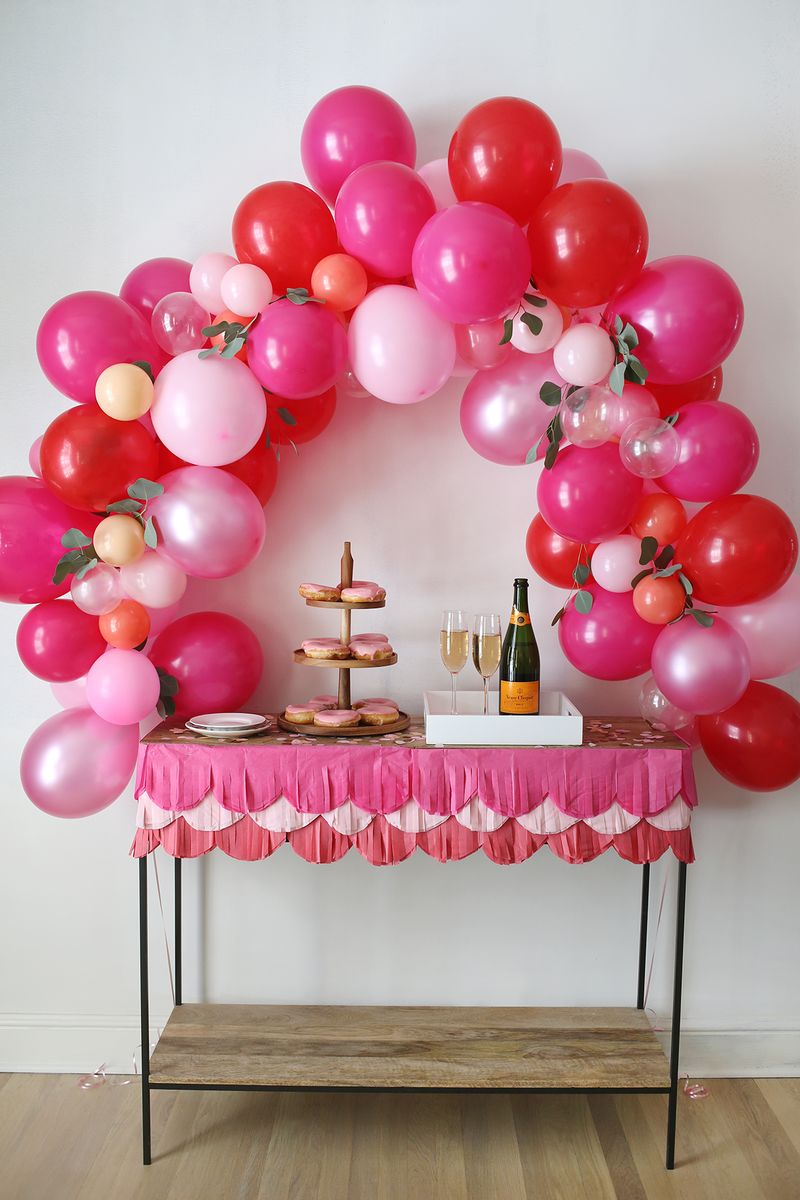 16 awesome things to make with balloons - you'll love these easy balloon crafts are for all skill and age levels! You'll find crafts for kids, teens, and adults with easy ideas to repurpose balloons you have left over from a birthday party.