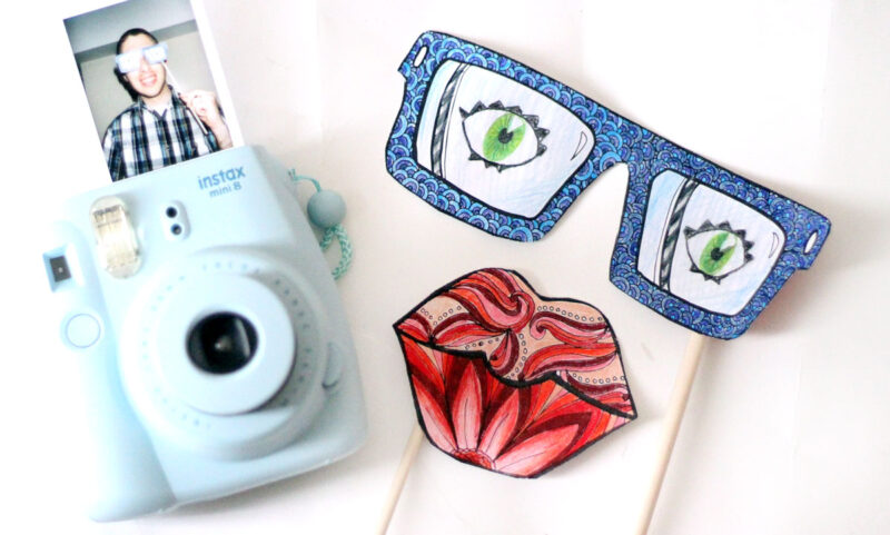 Free Printable Color-in Photo Props - Moms and Crafters