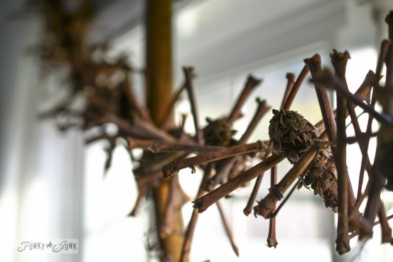 twig-pinecone-garland-0060