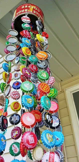 I love these recycled bottle cap crafts and DIY ideas! I love to collect beer bottle caps AND plastic soda bottle caps, and then making crafts for kids, seasonal crafts, art projects, diy toys, magnets and more with them.