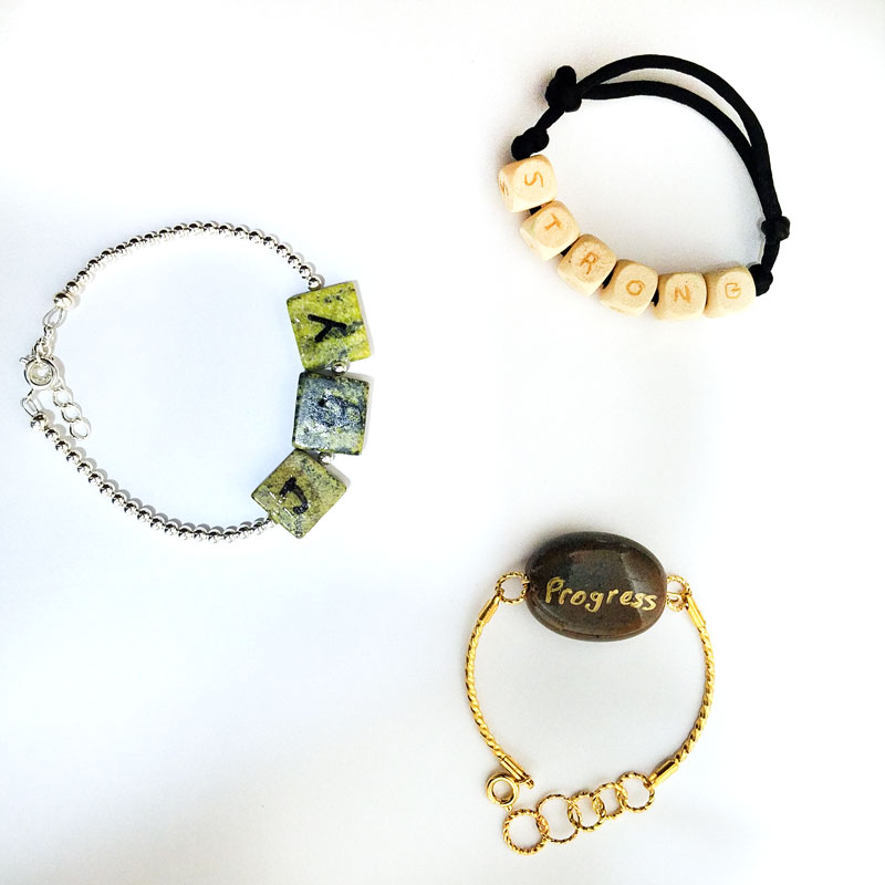This is the best tip for sticking to New Year's resolutions - make one word resolution bracelets to keep it in sight all year! These are really pretty and easy DIY bracelets to make, great for beginning jewelry making or advanced. Tutorials for all of these one-word resolution bracelets included.