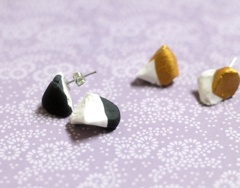 Make these beautiful DIY dipped geometric earrings from clay! They areso lightweight and the color block design can be made in any color to match any outfit.