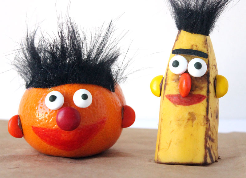 Make adorable Ernie and Bert snacks - perfect snack idea for picky kids who also happen to love Sesame Street! Great idea for a birthday party or for healthy school lunches.