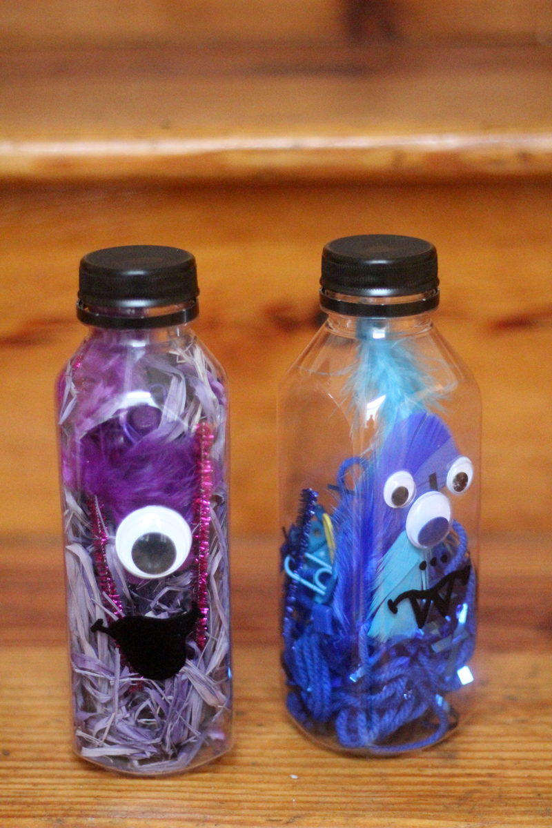 Make favorite color discovery bottles - a child-led activity that's perfect for teaching colors! This color activity for toddlers, preschoolers, and kindergarten is a great kid-made sensory bottle that will be played with for hours!