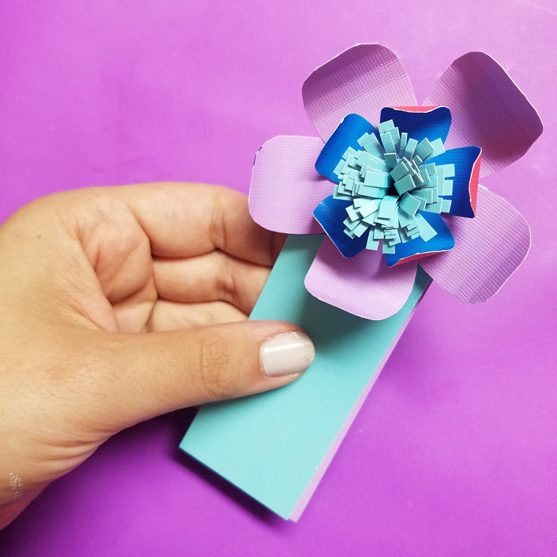 Paper flower bookmarks an easy paper craft for beginners craft these beautiful paper flower bookmarks an easy paper craft for kids and teens mightylinksfo