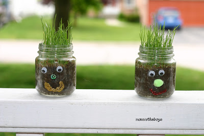 If you're looking for cool things to make with baby food jars, this list is perfect for you! You'll find easy recycled jar crafts for moms, teens, kids, and even toddlers!