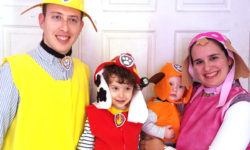 This DIY PAW Patrol family costume idea is so much fun!