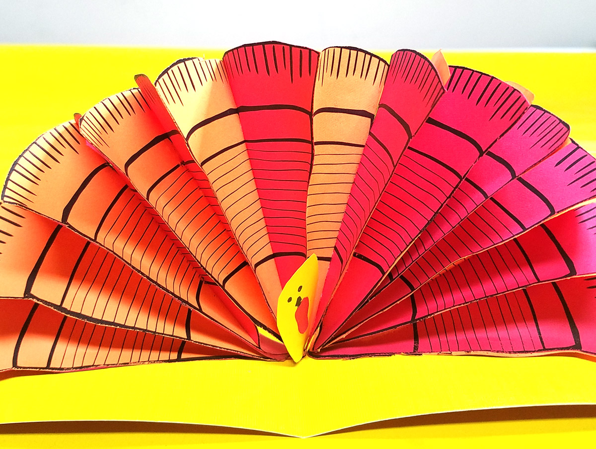 Pop up turkey craft free printable turkey feathers moms and these free printable turkey feathers are so versatile and perfect for yoru thanksgiving crafts for adults jeuxipadfo Choice Image