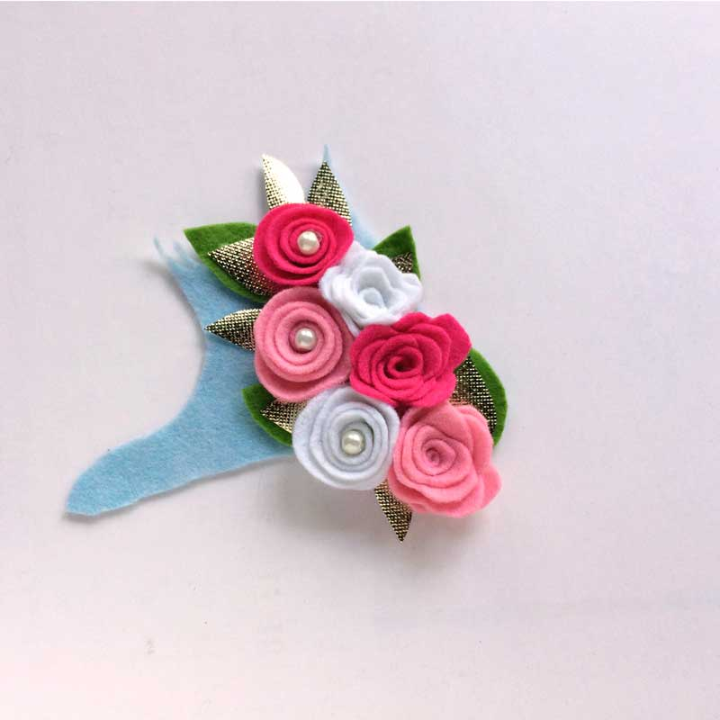 DIY Felt Flower Wreath - Moms and Crafters