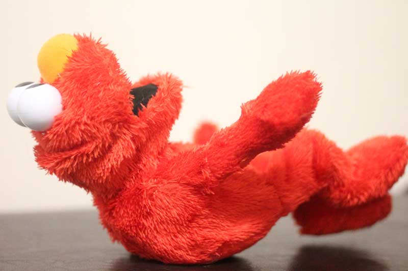 Such cute toys! If you're looking for Elmo toys for toddlers and 2 year olds, these are perfect. They make great gifts for toddlers who love Sesame street. #Elmo #sesamestreet #toddlers