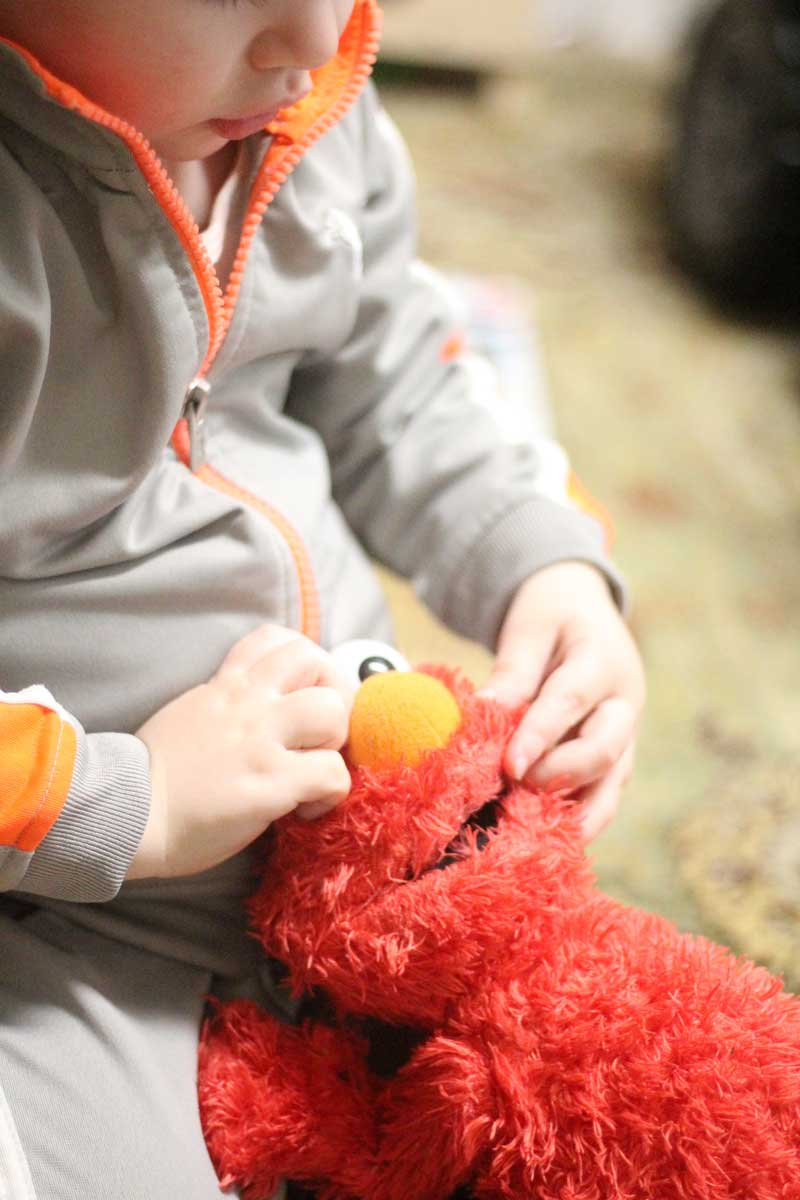 Sesame Street Toys For Toddlers : Elmo toys for toddlers gifts they ll actually play with