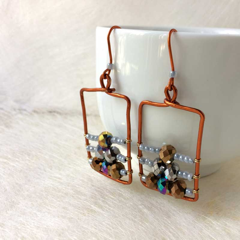 Wire Wrapped Earrings Tutorial - Beaded Frames - Moms and Crafters