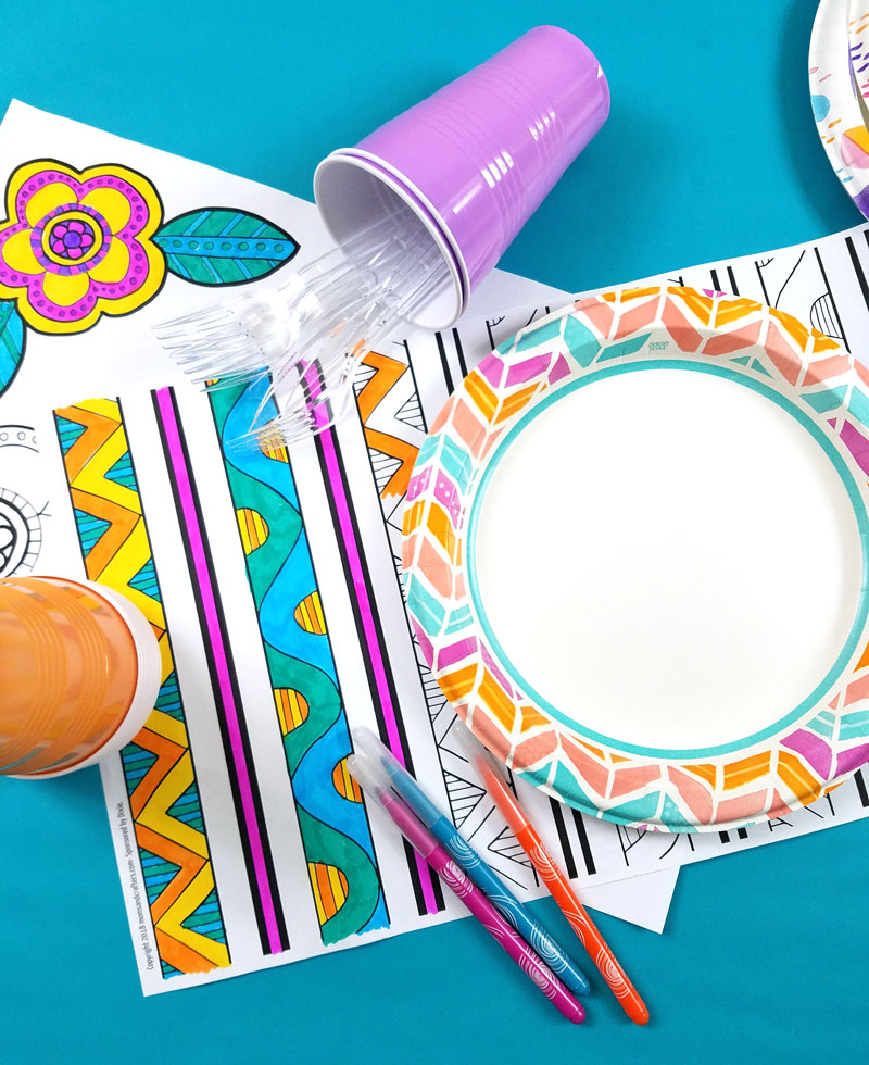 Cool picnic idea: color-in placemats