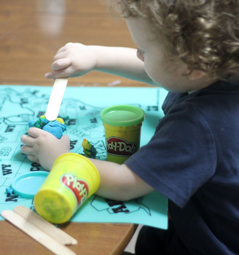 ONe of the best birthday gifts for 2 year old boys - play dough!
