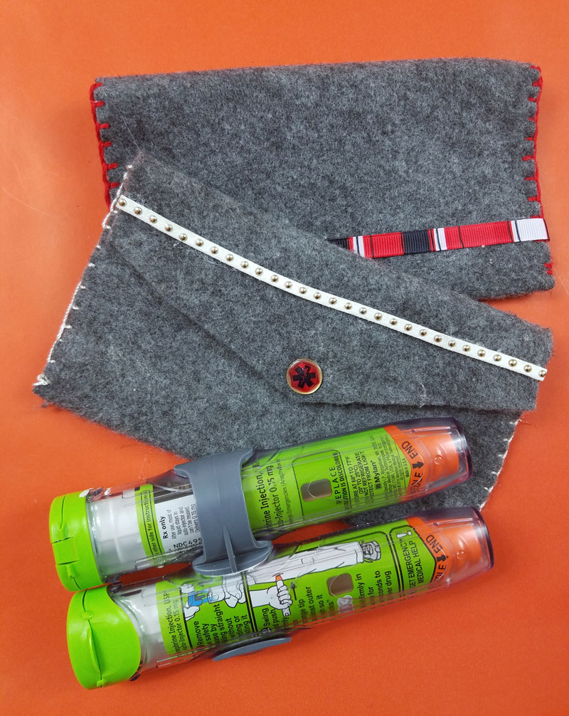 Create your own epipen case - a lifesaver if you have food allergies in your family!