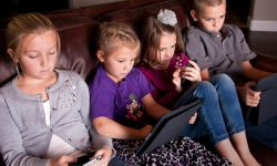 How to limit screen time and transition smoothly to new activities
