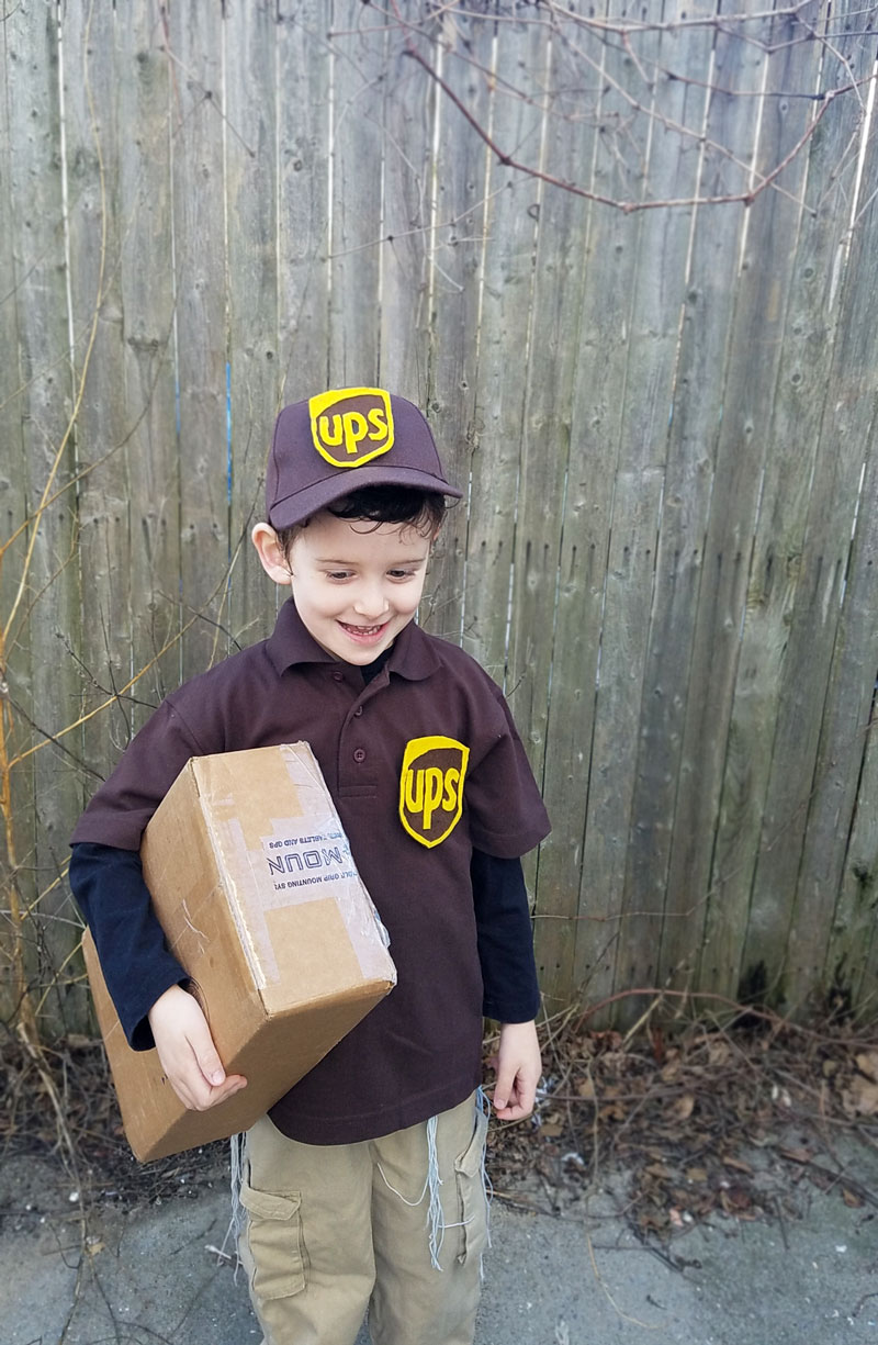 Make your own UPS delivery costume - perfect DIY no sew costume for preschoolers and boys!