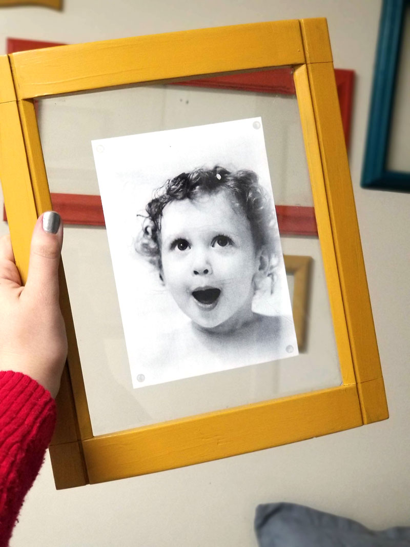 Upcyle old frames into modern photo frames - a great DIY photo gift idea, DIY gallery wall and home decor idea.