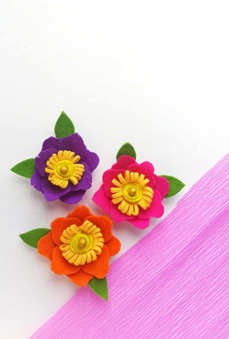 DIY felt flowers - free template