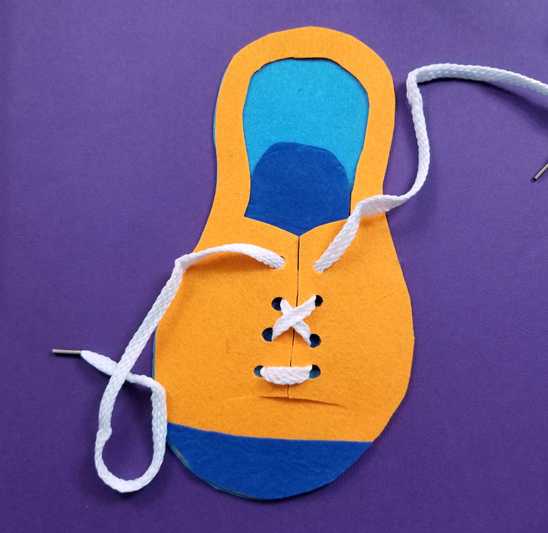 Now Let Your Child Get Some Shoe Tying Practice With This Fun Diy Felt Toy