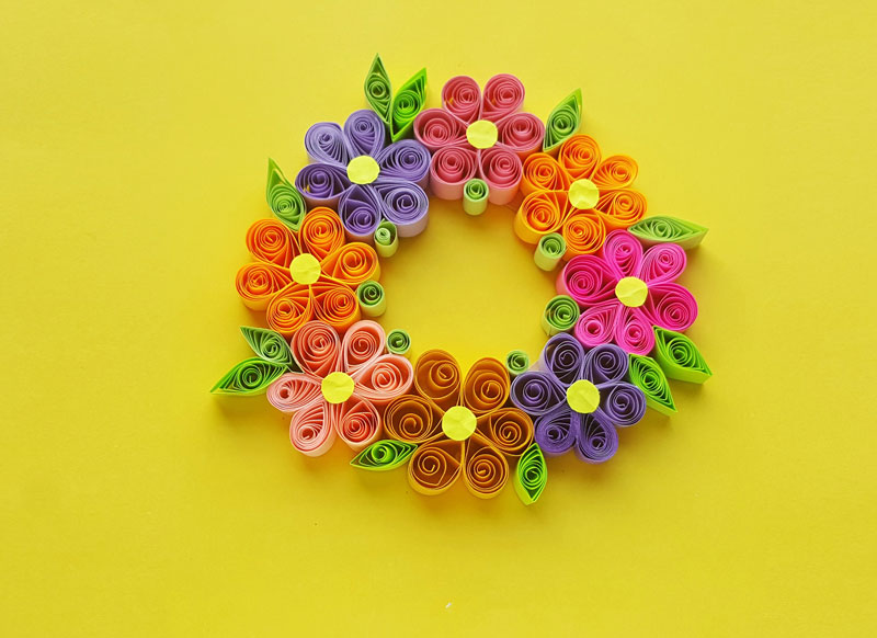 Paper Quilling Wreath With Easy Quilled Paper Flowers