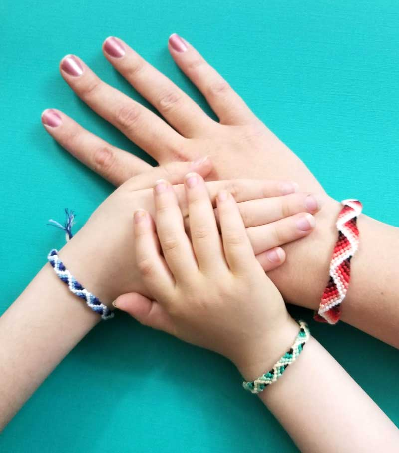 Zig Zag Friendship Bracelet Pattern with a 3D effect!
