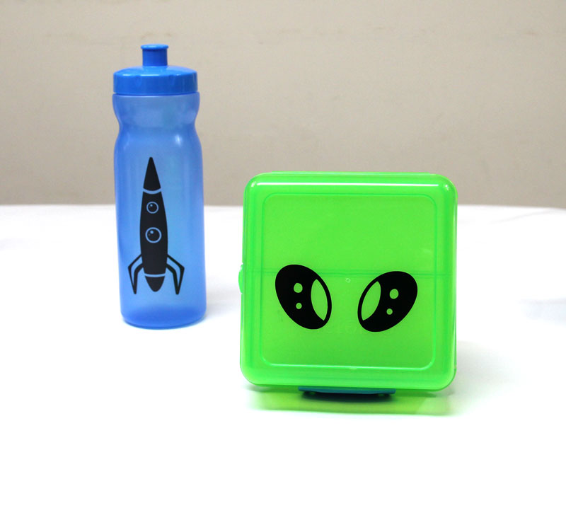 Personalize and Decorate Lunch Box Sets – Back to School Cricut Craft