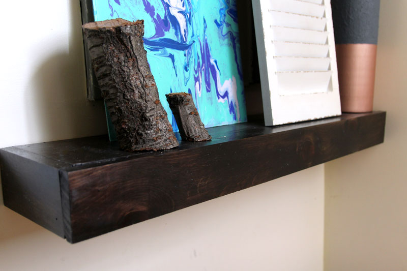 close up of the DIY small entry table